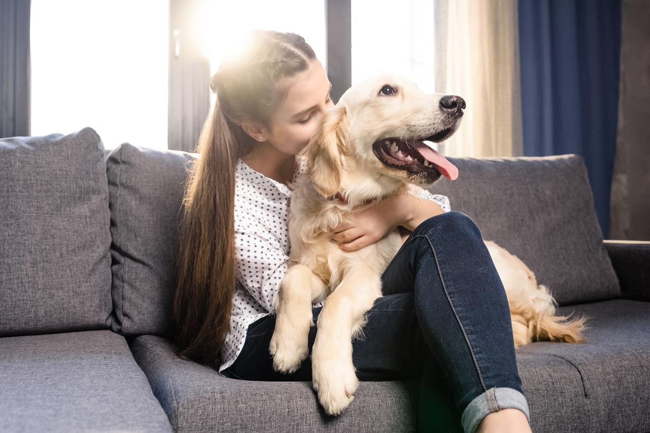 lady-with-dog-at-home